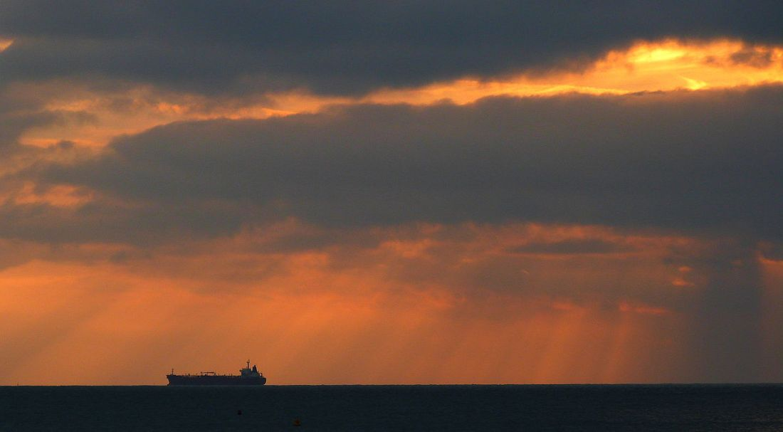 1280px-Sunrise_after_storm_over_the_Solent.jpg