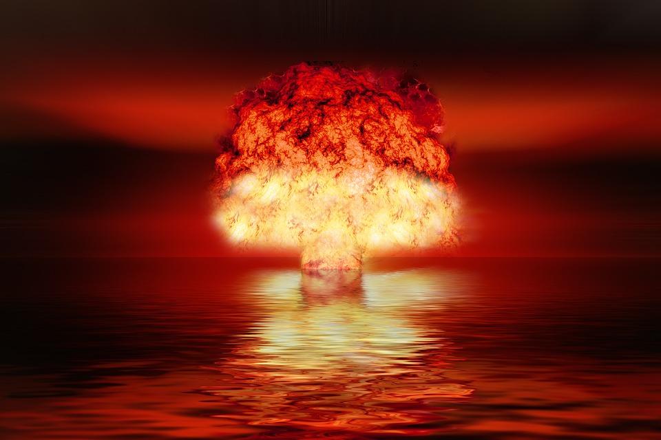 atomic-bomb-2621291_960_720.jpg